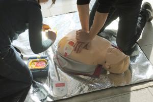 Defibrilator-Herzmassage